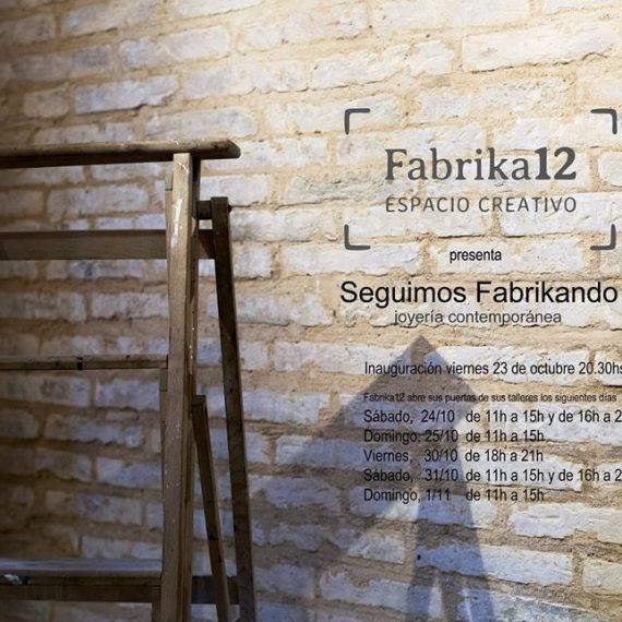 Performance VA DE VEU Seguimos Fabrikando – Joyería Contemporánea.