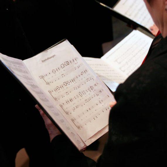 Bolsa de empleo de tenores y bajos en el coro de RTVE